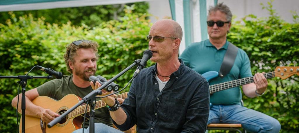 Optreden van de Dolderse band Muck bij Toevenopdehoeve op de WA Hoeve
